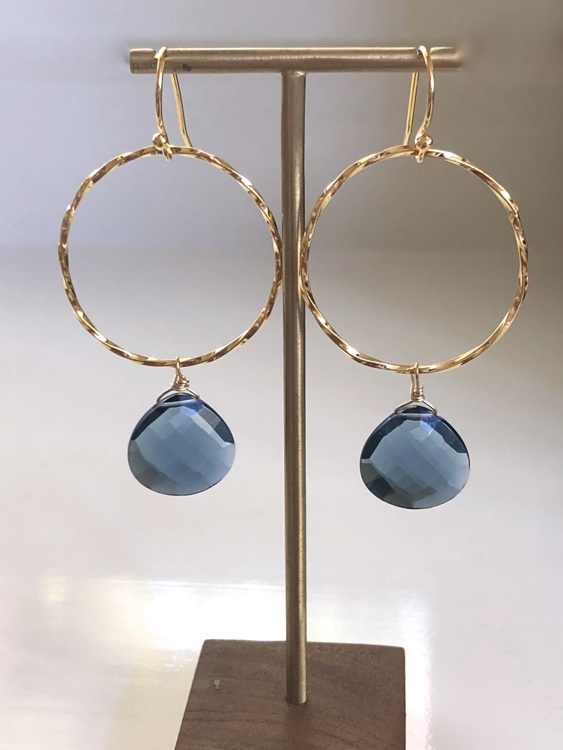 Vermeil oorbellen met London blue Quartz