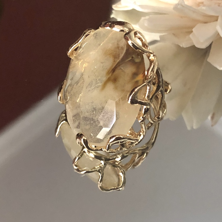 Statement ring met beige/ecru melee Quartz
